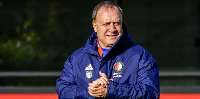 Feyenoord, Dick Advocaat ile sözleşme uzattı