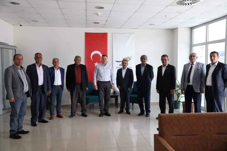 Kırıkhan'lı Muhtarlardan Başkan Savaş ve Çaparali'ye Ziyaret