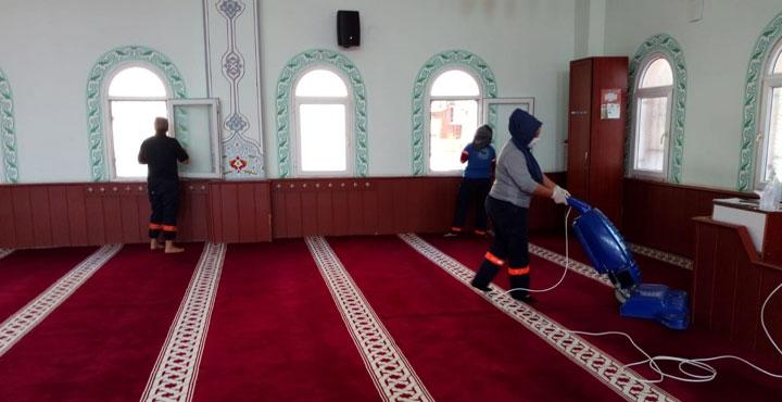 Kırıkhan'da Camiler Temizlenerek Dezenfekte Edildi