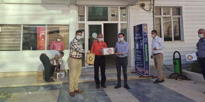 Mahalle Muhtarlarına Maske Dağıttılar