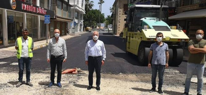 İskenderun Belediyesi, Hafta Sonu da Asfalt Çalışmalarına Devam Etti