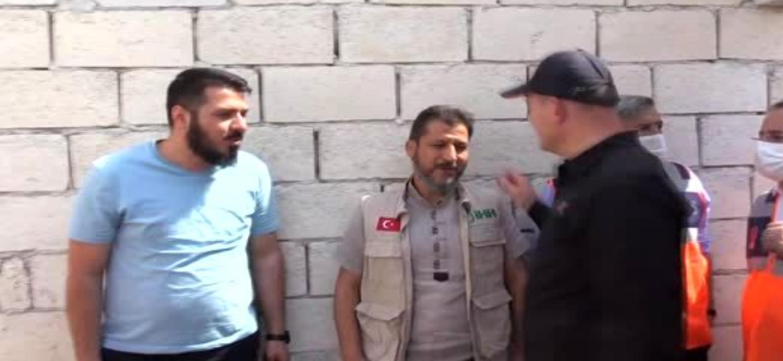 İçişleri Bakanı Soylu, İdlib'deki briket evleri inceledi