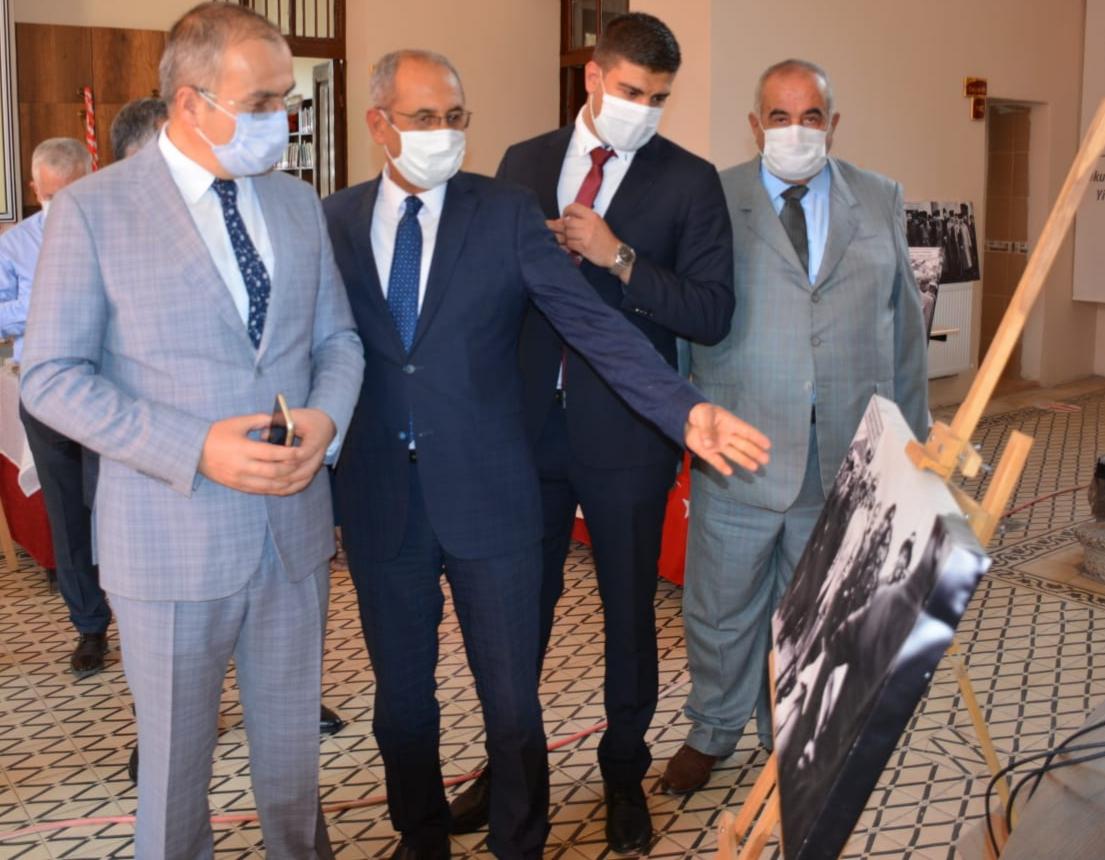 Kırıkhan'da 29 Ekim Cumhuriyet Bayramına Özel Sergi