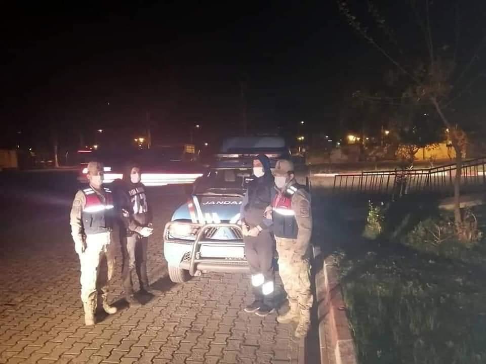 Dörtyol'Da Kablo Çalan Hırsızlar Jandarma Tarafından Yaklandı