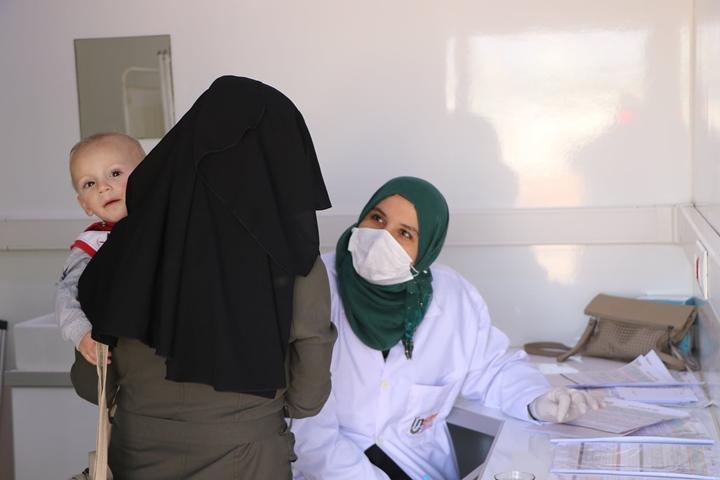 Mobil sağlık klinikleri Suriye'deki kamplarda Hizmet Veriyor
