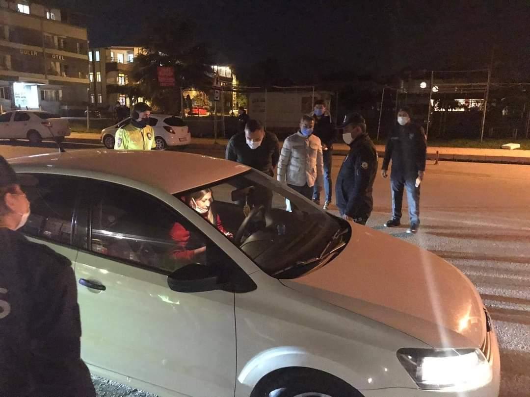Arsuz Emniyet Müdürlüğü Ekipleri, Halkın Huzur Ve Güvenliği İçin Yılbaşı Gecesi De Teyakkuzda.