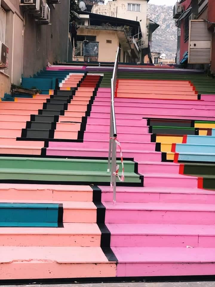 Defne Belediyesi, İlçenin Eğimli Ve Yüksek Bölgesinde Yer Alan Merdivenli Sokak Yapım Çalışmalarını Tamamladı