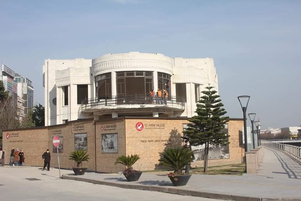 Hatay Tarihi Meclis Binasında Restorasyon Çalışmaları Tüm Hızıyla Sürüyor.