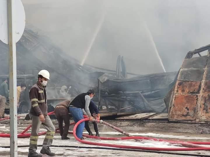 Sanayide Çıkan Yangın Söndürüldü