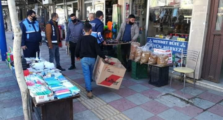 Kırıkhan Belediyesi Zabıta Ekipleri Kaldırım İşgallerine Ve Seyyar Satıcılara Taviz Verimyor
