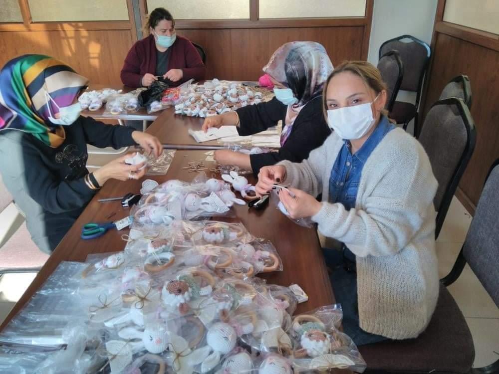 Dörtyol İlçesinde Amigurumi Oyuncak Yapmayı Öğrendiler ABD'den Sipariş Aldılar