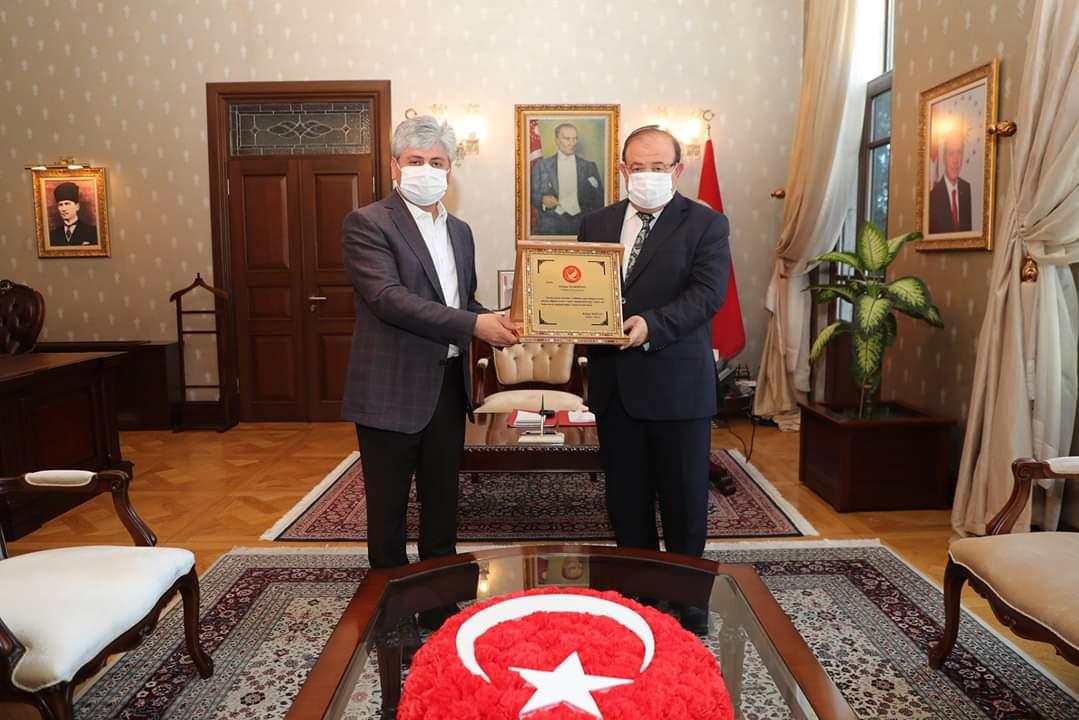 Vali Doğan, Emekliye ayrılan Kaymakam Mardinli'yi Makamında  Kabul Etti