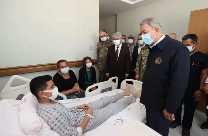 Bakan Akar Hatay'Da Yaralı Askerleri Ziyaret Etti
